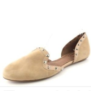 Coral Como Regal studded flats in Nude.